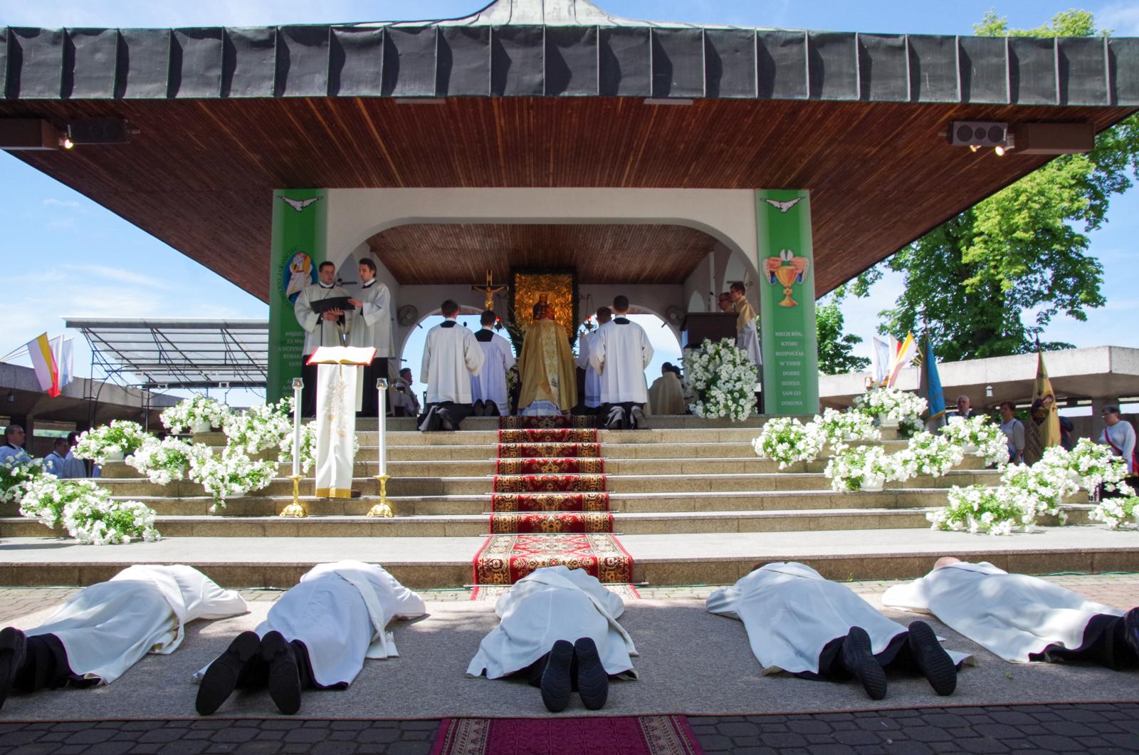 Święcenia-prezbiteratu-2016-42